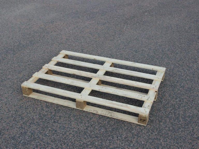 Einwegpaletten mit 5 Deckbrettern 1200x800 mm